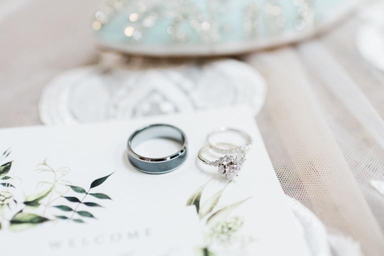 Olde 41 Green Bay, WI Wedding Photographers - Larissa Marie Phot