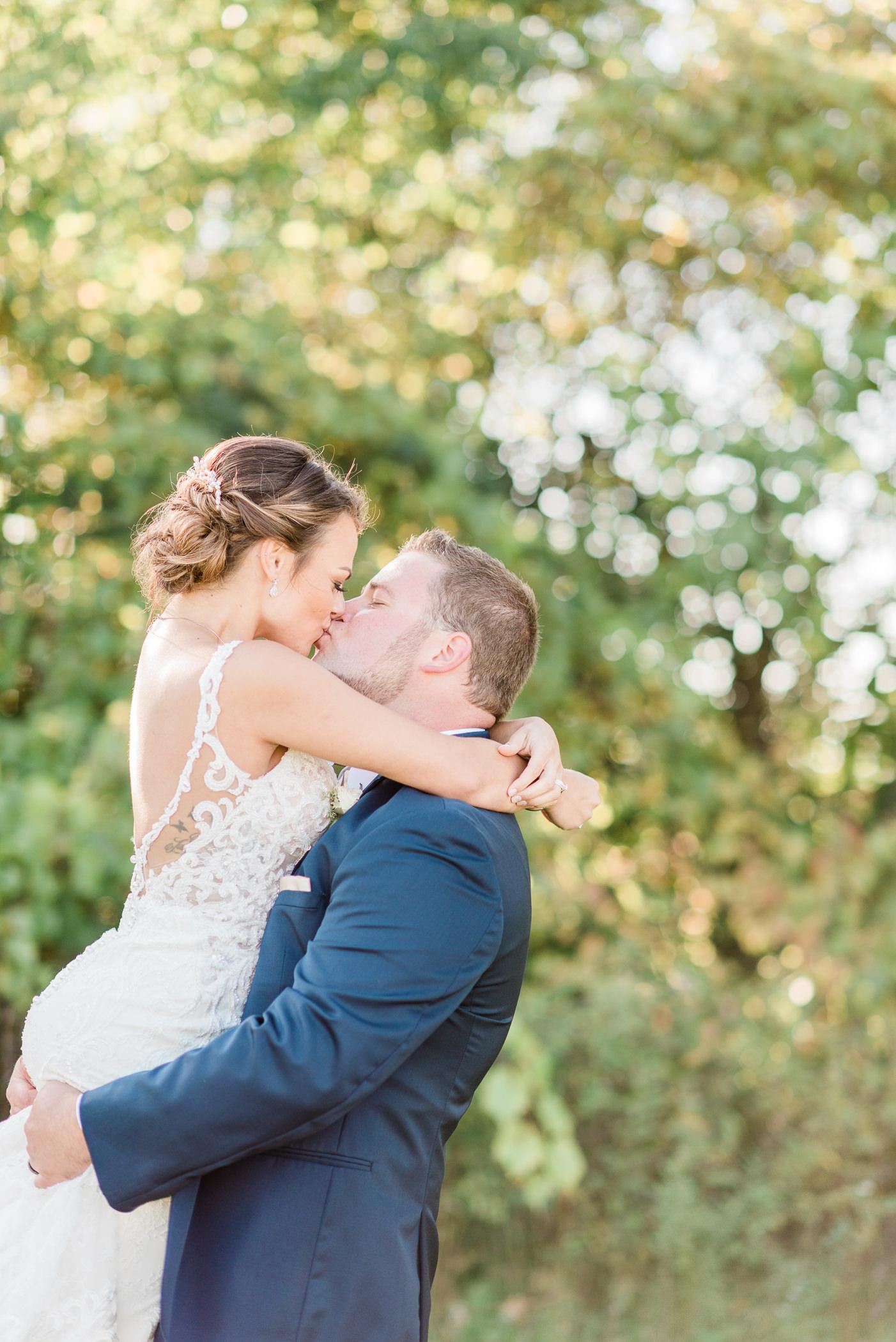 Terrace 167 Wedding Photographer - Larissa Marie Photography