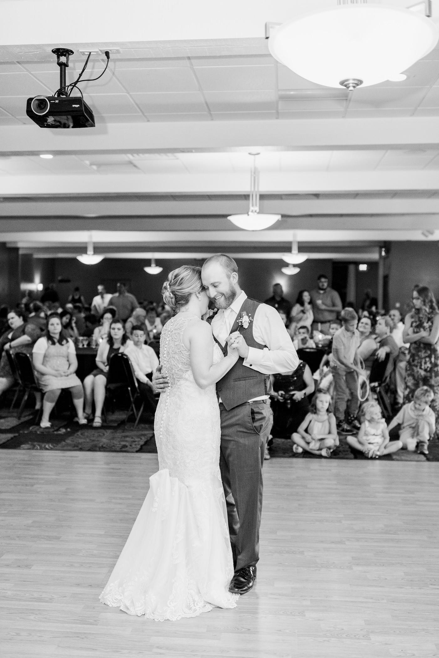 La Crosse, WI Wedding Photographers