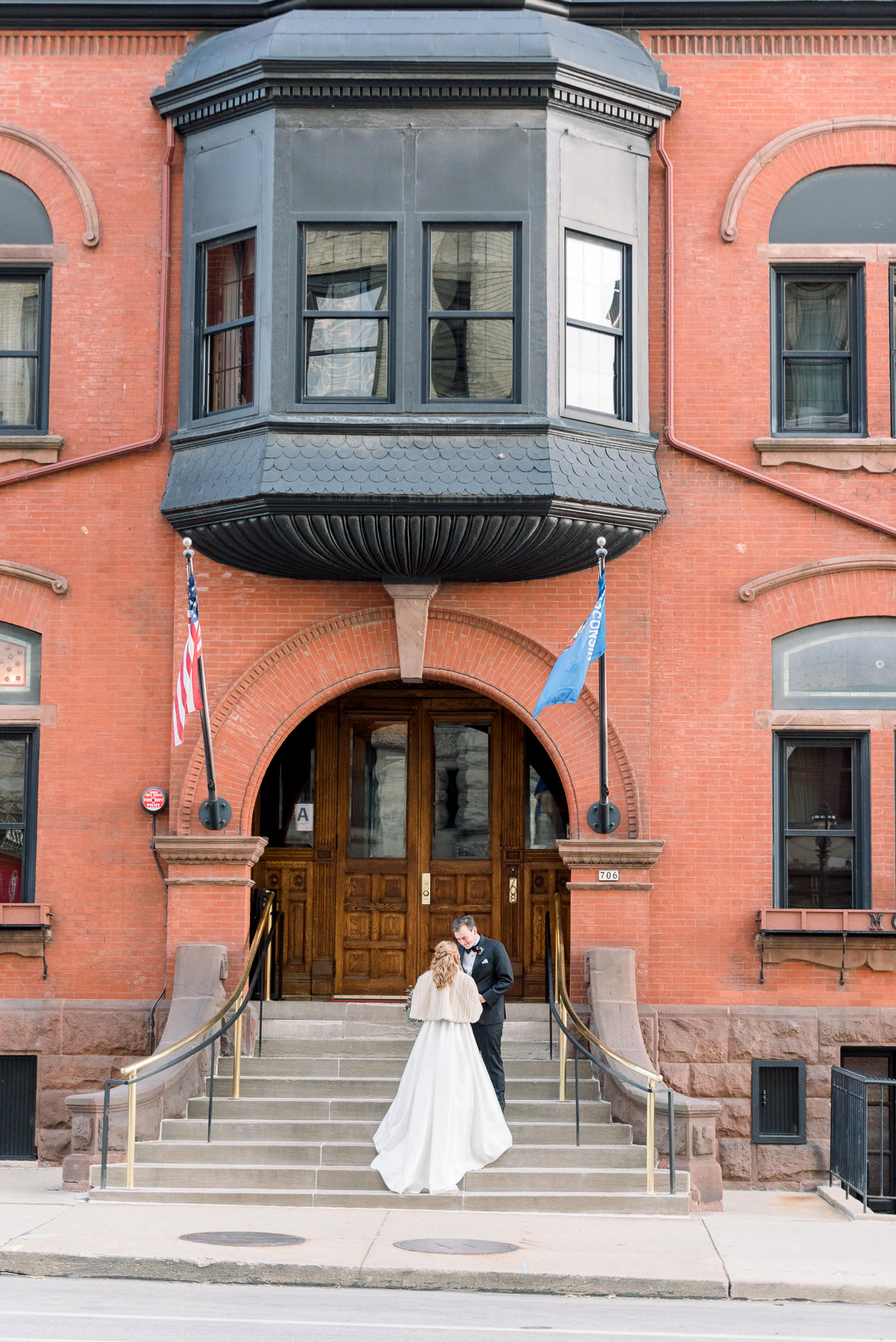 Pfister Hotel Wedding Photographers - Larissa Marie Photography