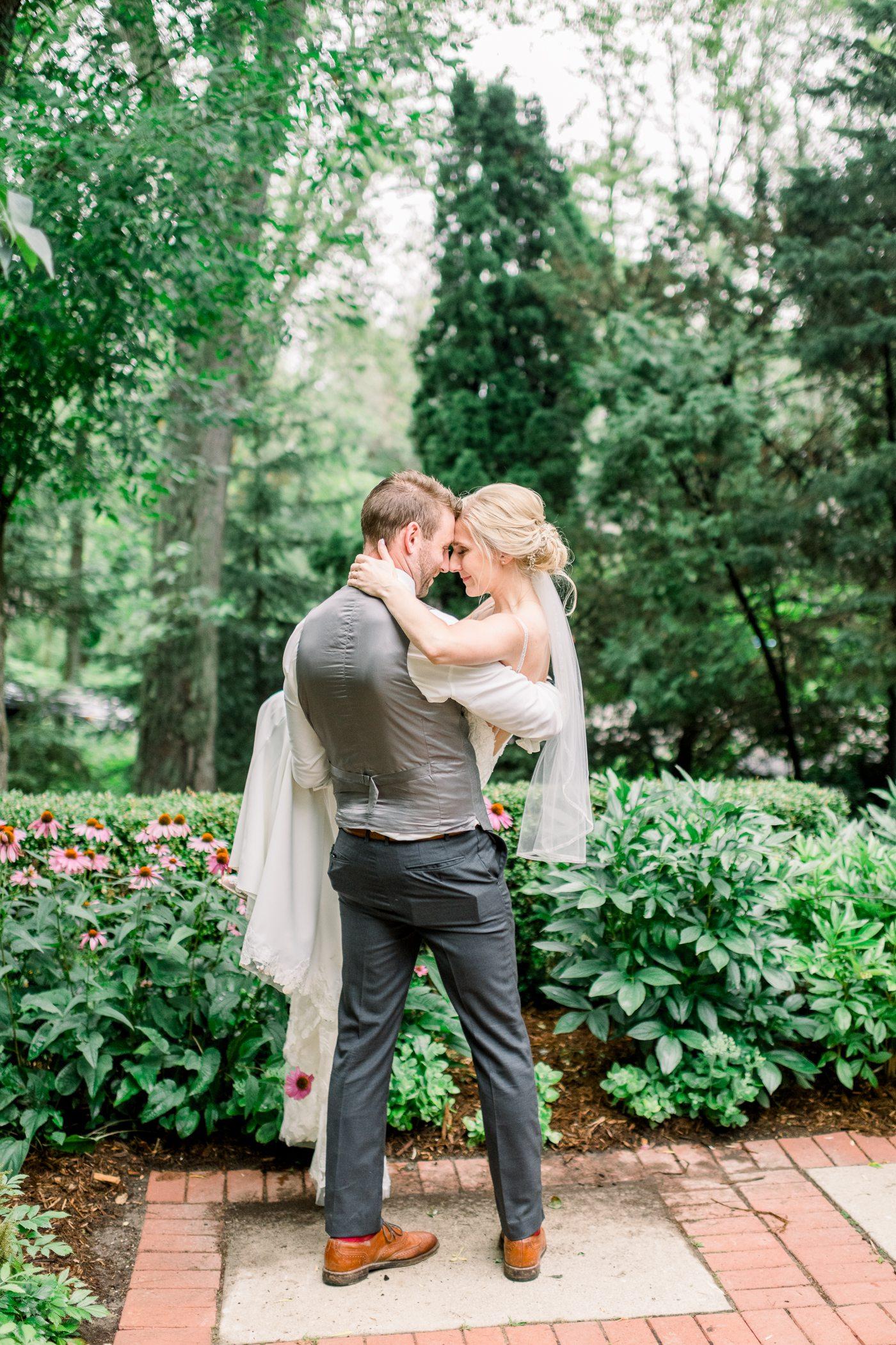 Mequon, WI Wedding Photographers - Larissa Marie Photography